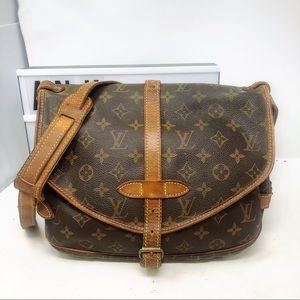 Louis Vuitton saumur 30 Monogram crossbody bag